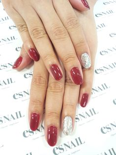 interesting take on the accent nail trend