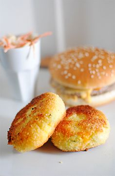 Potato Croquettes grams of potato grams pf farmhouse cheddae egg yolks whole egg tablespoon milk medium carrots zucchini -chives -breadcrumbs -flour -oil for frying I Love Food, Good Food, Yummy Food, Tapas, Vegetarian Recipes, Cooking Recipes, Salty Foods, No Salt Recipes, Savoury Dishes