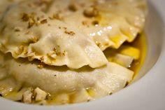 Pesto di melanzane e noci: una ricetta gustosa e saporita, che ricorda i profumi dell'estate e dell'orto