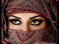 Magnetic Arabic Eyes and other links pertaining to creating arabic-inspired eye makeup. Beautiful Eyes Pics, Stunning Eyes, Beautiful Women, Amazing Eyes, Beautiful Hijab, Amazing Things, Beautiful Images, Lovely Eyes, Stunningly Beautiful
