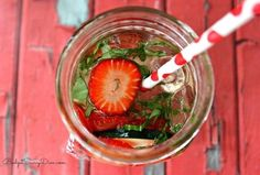 Belly Slimming Detox Water | DIY Detox Water Ideas To Stay Refreshed