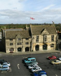 Malmesbury Town Hall - Malmesbury Town Hall dates back, in parts, to 1846, with a history of uses that include a Wesleyan chapel, the town's fire station, court and assembly hall. Malmesbury Town Hall wedding venue in Malmesbury, Wiltshire