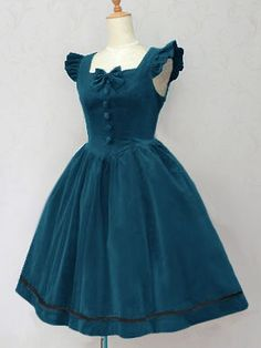 Victorian maiden classical Lolita inspiration