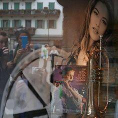 #vetrina a #cortinadampezzo #tromba #music #shopping #cadore #veneto #mycortina #travel #montagna #mountains #igersfc #igersemiliaromagna #ig_forli_cesena #ig_emiliaromagna #ig_rimini_ #ig_emilia_romagna #ig_veneto #dolomiti #dolomites #vivoemiliaroma - #square squareformat iphoneography instagramapp http://buff.ly/1JJ21al