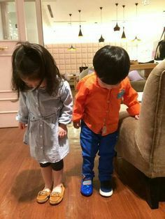 Cute Asian Babies, Korean Babies, Asian Kids, Cute Babies, Baby Kids, Mode Ulzzang, Ulzzang Kids, Twin Boys, Twin Babies