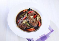 Ingin menyantap hidangan tradisional yang sekarang ini sudah jarang Anda temui? Minggu siang ini sangat cocok mencoba resep tradisional ikan gabus pucung khas Betawi.