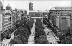 Palast der Republik, Unter den Linden, August 1977