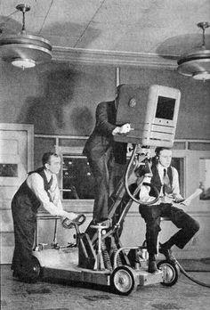 Old Cameras, Vintage Cameras, Cool Raspberry Pi Projects, Vintage Television, Movie Camera, Televisions, Vintage Tv, Retro Futurism, Rare Photos