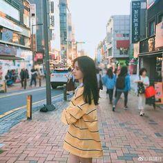 Ulzzang Korean Girl, Cute Korean Girl, Soccer Poses, Arin Oh My Girl, Beautiful Chinese Girl, Uzzlang Girl, China Girl, Woman Crush, Aesthetic Girl