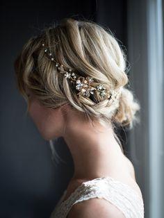 Flower Crown Boho Gold Hair Vine Halo Hair Wrap por LottieDaDesigns
