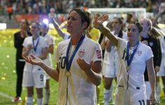 Great sportsmanship by the #USWNT and #AbbyWambach. Another reason to appreciate a great #WWC.