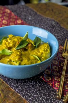 [indisch] Murgh Kali Mirch - creamy chicken curry with black pepper> Foodina Source by aefing Creamy Chicken Curry, Asian Recipes, Ethnic Recipes, Palak Paneer, Guacamole, Easy Meals, Stuffed Peppers, Meat, Foodblogger