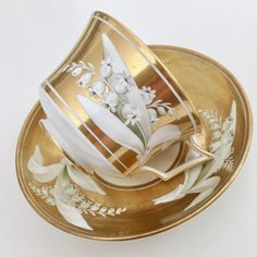 Wedgwood teacup and saucer, Lily of the Valley and gilt patt. 785, 1800-1815