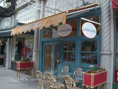la boulange! i seriously LOVE this place. it's a french cafe in san francisco. (there are actually a number of them all over san fran) simple, clean, small, well-designed, perfectly cooked. i wish that more people could open cafes that achieve the same level of amazing. if in san francisco, find a way to go.
