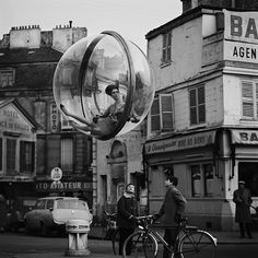 American photographer Melvin Sokolsky played a major role in the revival of fashion photography in the 1960s. One of his most famous fashion photo shoots was the Bubble series which he shot for Harper's Bazaar when he was just 21-years-old. The series shows fashion models floating through the air, contained in giant clear plastic bubbles. Some would say that the bubbles would signifying how untouchable these women were from the rest of society or perhaps how isolated they felt.