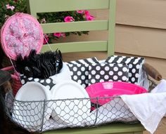 Pink, White and Black Party  Love the casualness to this for my summer happy hour  #redbookparty
