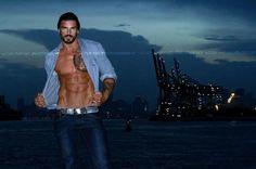 Stuart Reardon: Sexy Eros. Luis Rafael Photos - Burbujas De Deseo