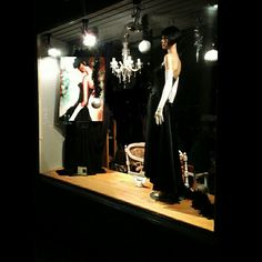 Double take #double#vintagedisplay#windowdisplay#littleblackdress#lbd