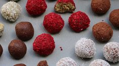 Luke Hines' chocolate and coconut rough protein balls Mexican Hot Chocolate, Hot Chocolate Recipes, Flax Seed Recipes, Almond Recipes, Healthy Drinks, Healthy Snacks, Healthy Recipes, Plant Based Protein Powder, Raw Cacao Powder
