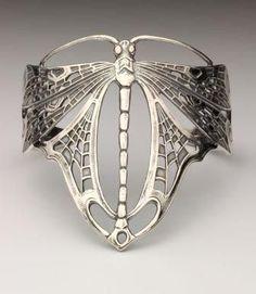 Art Nouveau dragonfly armband ~ Design inspired by the famous designer René Lalique