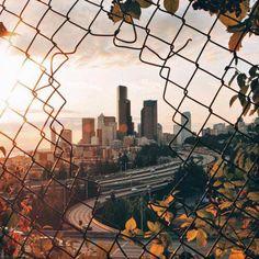 grafika city, autumn, and fall Tumblr Wallpaper, Wallpapers Tumblr, Wallpaper Backgrounds, Iphone Wallpaper, Urban Photography, Street Photography, Photography Camera, Urbane Fotografie, Travel Photographie