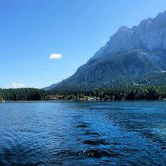 Eibsee bei Grainau, Garmisch-Partenkirchen ... sooo schön dort! #nature_obsession_landscapes #bd #bdphotoshare #bayern #bavaria #oberbayern #nature #nature_lovers #germany #beautifulplace #placewhereilive #IGS_photos #garmisch #partenkirchen  #alps #alpen #bavarianalps #berge #mountains #wettersteingebirge #ig_deutschland #ig_germany #wandern #waxensteine #lake #Padgram