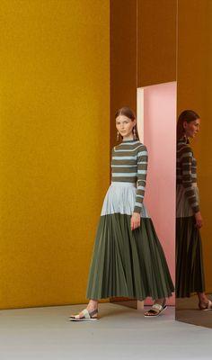 http://www.vogue.com/fashion-shows/resort-2017/lela-rose/slideshow/collection