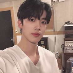 15+ Daily 'Boyfriend Cuts' of Kim Yohan, Who Currently Ranks 1st in 'Produce X101,' That will Make You Feel Like Sexy Melted Marshmallow