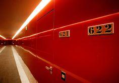 (via Hotel Puerta América, un espacio firmado por 19 diseñadores y arquitectos en Madrid   Aves Nocturnas   avesnocturnas.es)