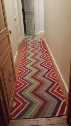 tapis de couloir on pinterest hallways kurdistan and rugs. Black Bedroom Furniture Sets. Home Design Ideas