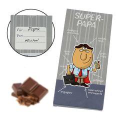 Intelligent, gefühlvoll, sportlich und was noch von großer Bedeutung ist...großzügig. Die sind die Eigenschaften, die man einem Super-Papa zuschreiben kann. Wenn dein Vati auch was von einem Superheld in sich hat, schicke ihm die Super-Papa Milchschokolade. Es ist ein süßes und lustiges Geschenk für jeden tollen Papa!