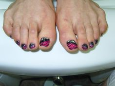black and pink toe nails
