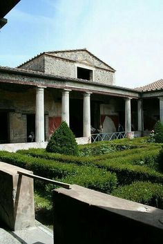 House of the Menander, Pompeii. a dream of mine to one day visit Pompeii. Ancient Pompeii, Pompeii Ruins, Pompeii Italy, Pompeii And Herculaneum, Ancient Ruins, Ancient History, Architecture Romaine, Empire Romain, Roman City