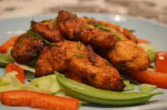 Try this amazing dish as an appetizer or as a fantastic snack. Indian Food Recipes, Ethnic Recipes, Tandoori Chicken, Cheddar, Sticks, Cauliflower, Bacon, Appetizers, Essentials