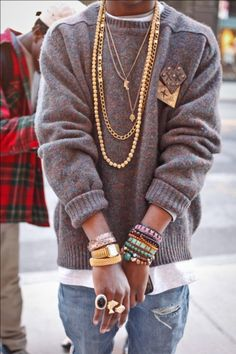 Loving the chunky knit sweater and the accessories #obsessed