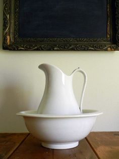 Farmhouse pitcher and basin