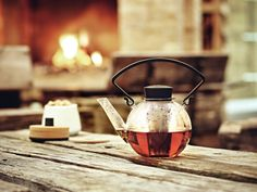The Glass Teapot is as good looking as it is practical. A detatchable stainless steel filter allows you to mix your favourite blend of loose tea and Glass Teapot, Scandinavian Design, Brewing, Tea Pots, How To Look Better, Handle, Stainless Steel, 21st Century, Denmark