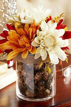 fall centerpiece with vase/jar, flowers and pinecones Fall Crafts, Holiday Crafts, Holiday Decor, Fall Home Decor, Autumn Home, Fall Table Decor Diy, Fall Wedding Table Decor, Fall Wedding Centerpieces, Wedding Ideas