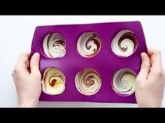 How to make chocolate desserts with Tupperware silicone dome Moule Dome Tupperware, Marshmallows, Tupperware Recipes, Desserts With Biscuits, Cheese Dome, Cake & Co, No Sugar Foods, Nutella, Bonbon
