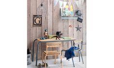 Erg leuke stoeltjes voor de kleintjes van Kids Depot. Gemaakt van een metalen frame met houten zitvlak en rugleuning. Te krijgen in verschillende kleuren met een oude maar stoere look. - WinjeWanje Interieurs