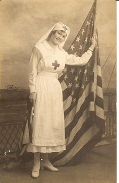 A few of my American Red Cross items ranging from WWII to Vietnam. Vintage Versace, Vintage Dior, Vintage Vogue, Vintage Glamour, Vintage Pictures, Old Pictures, Old Photos, History Of Nursing, Nursing Pictures