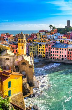 A colorful view of Vernazza town located in the province of La Spezia, Italy. … Eine bunte Ansicht der Vernazza Stadt gelegen in der Provinz von La Spezia, Italien. Italy Vacation, Vacation Trips, Dream Vacations, Italy Travel, Travel Trip, Travel Guide, Cinque Terre Italy, Italy Italy, Amalfi Coast Tours