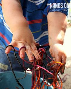 Colored spaghetti for Halloween! A slimy sensory activity!
