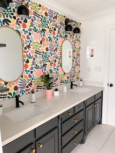 The Design Files, Bathroom Inspiration, House Colors, New Homes, House Styles, Wallpaper In Bathroom, Wallpaper For House, Wallpaper Ideas, Interior Design With Wallpaper