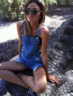 Confession: I've really been feeling overalls and want a pair. #3rdgradefierceness