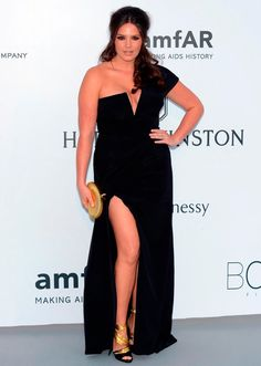 A modelo puls size Candice Huffine no red carpet do Baile amfAR.
