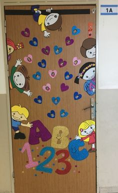 Идеи оформления ----------------..   ❺ Наша начальная школа ❺   VK Classroom Wall Decor, Owl Theme Classroom, Classroom Door, School Board Decoration, Class Decoration, Fun Diy Crafts, Preschool Crafts, Art Drawings For Kids, Art For Kids