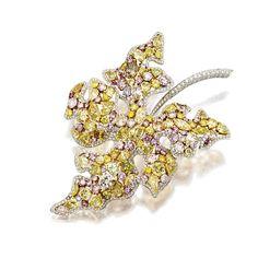 Colored Diamond and Diamond Leaf Brooch. Diamond Gemstone, Diamond Jewelry, Gemstone Rings, Gemstone Brooch, High Jewelry, Jewelry Box, Jewelry Design Drawing, Titanic Jewelry, Fantasy Jewelry