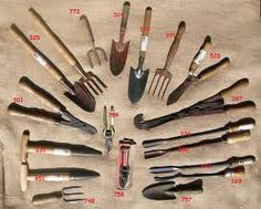 antique gardening tools - Google Search Small Garden Tool Organizer, Small Garden Tools, Best Garden Tools, Garden Tool Set, Lawn And Garden, Planting Seeds, Planting Flowers, Spear And Jackson, Most Beautiful Gardens