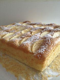 Szybkie ciasto jogurtowe z jabłkami. – Lady Laura Cooking Light Recipes, Baking Recipes, Cake Recipes, Dessert Recipes, Cute Desserts, Cookie Desserts, No Bake Desserts, Lady Laura, Polish Desserts